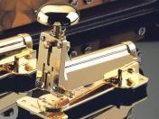 El Casco asztali tűzőgép, közepesi